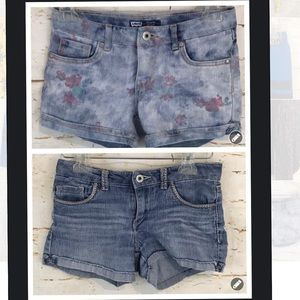 Levi's girls 12 two pairs jean shorts floral euc